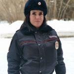 Девушка-полицейский задержала грабителя