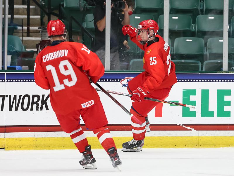 Хоккеист из Ангарска Владимир Грудинин помог сборной России обыграть США на юниорском чемпионате мира.