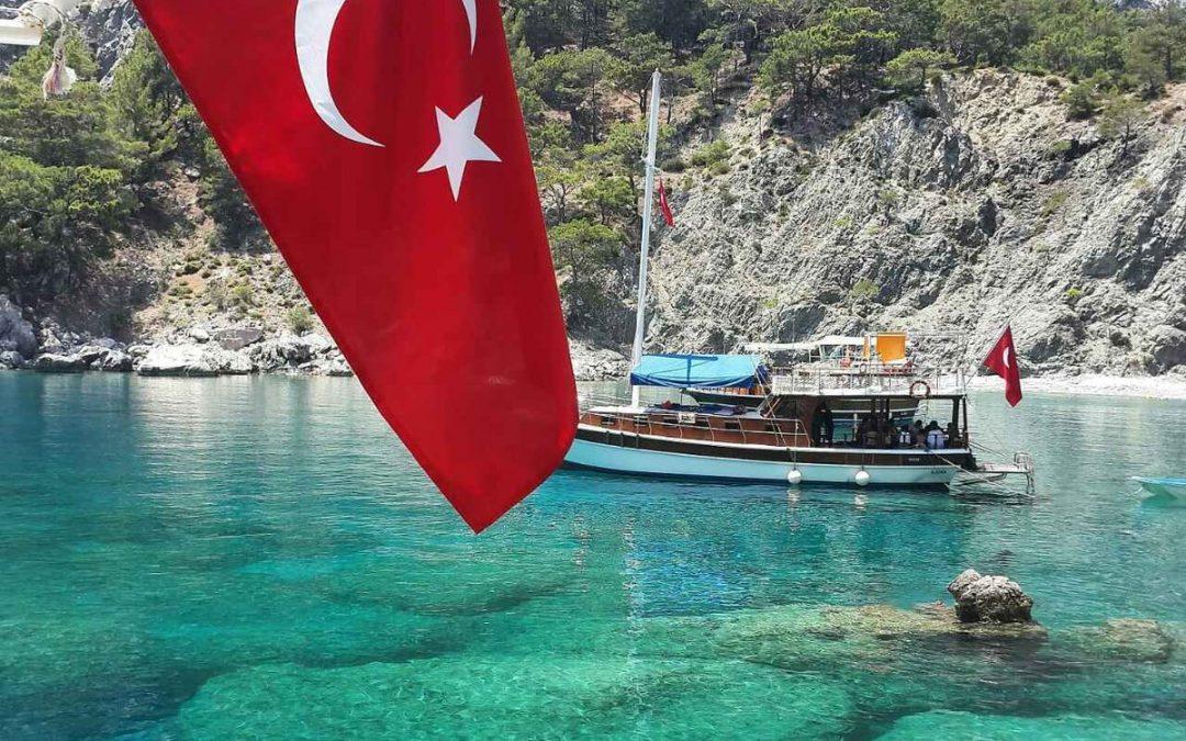 РФ ограничивает авиасообщение с Турцией с 15 апреля до 1 июня