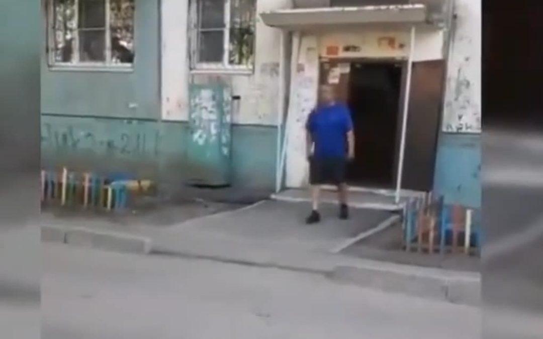 В Усолье-Сибирском сбежал преступник, который напал на полицейских c ножами.