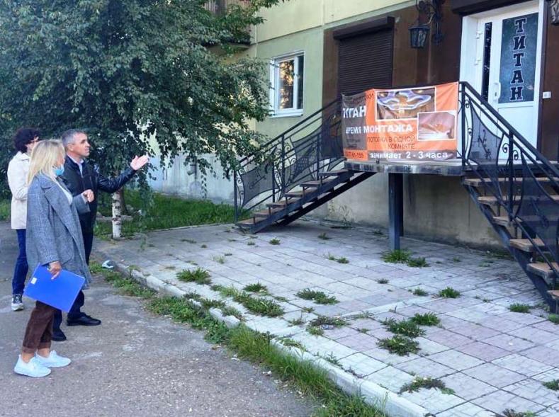 Борьба с визуальным мусором в Ангарске ведется в плановом порядке.