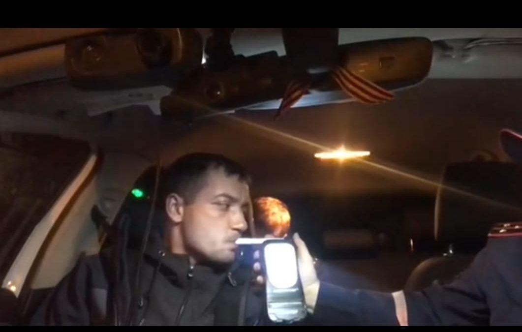 В Ангарске сотрудники ГИБДД задержали нетрезвого мотоциклиста (видео)